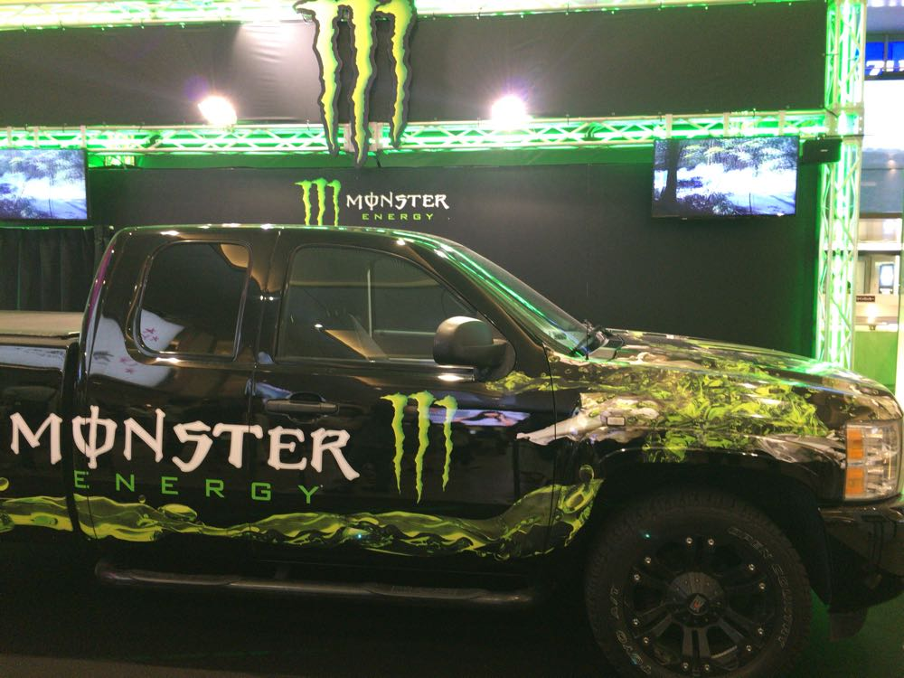 『MONSTER ENERGY』