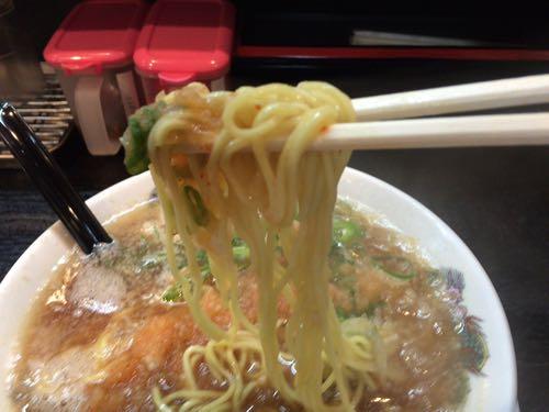 『肉太郎』肉醤油らーめん  麺