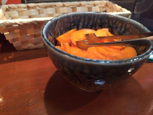 辛口料理 ハチ ニンジンのピクルス